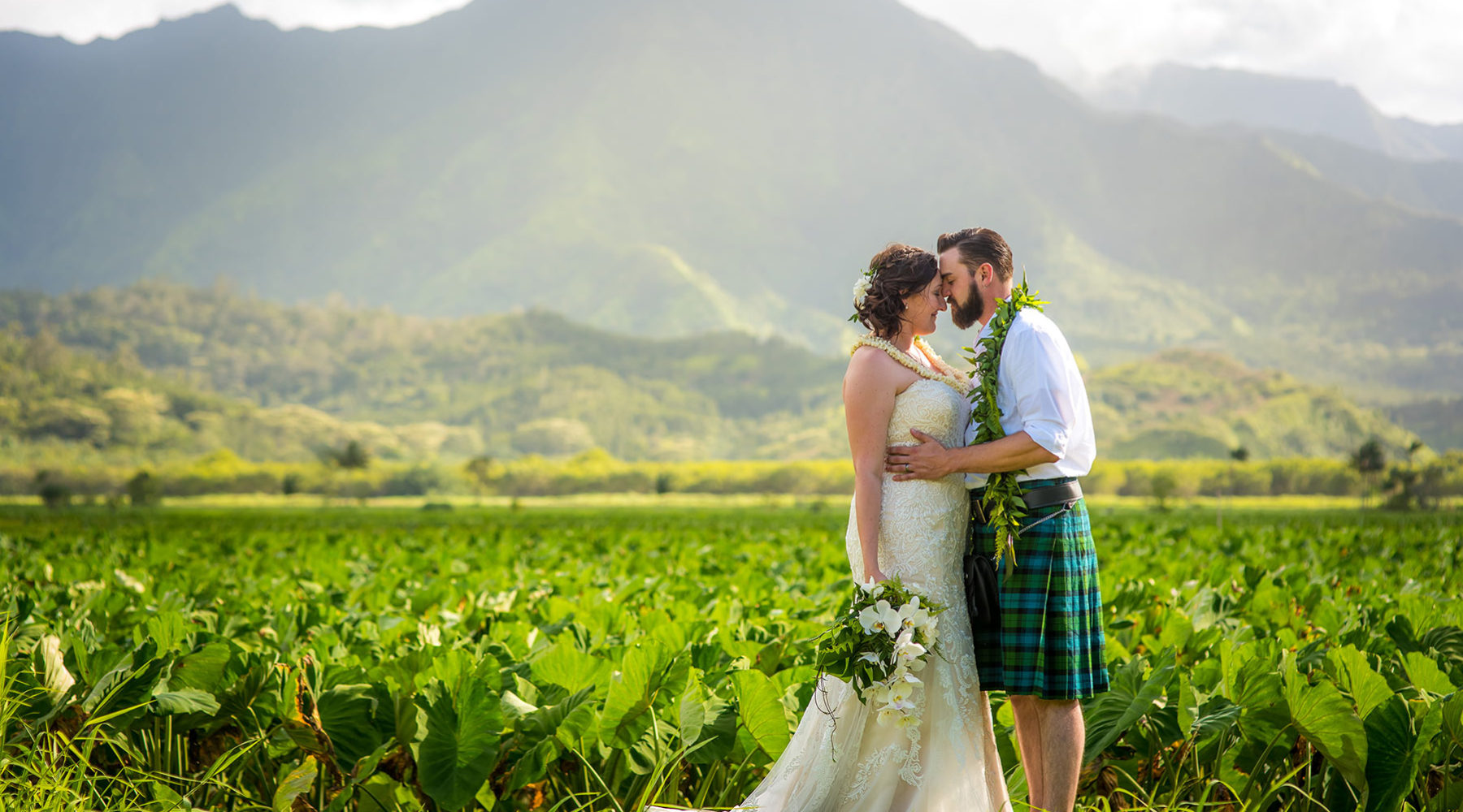 Intimate, small, wedding on Kauai.